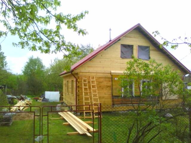 Строительство крыши над пристройкой и старым домом