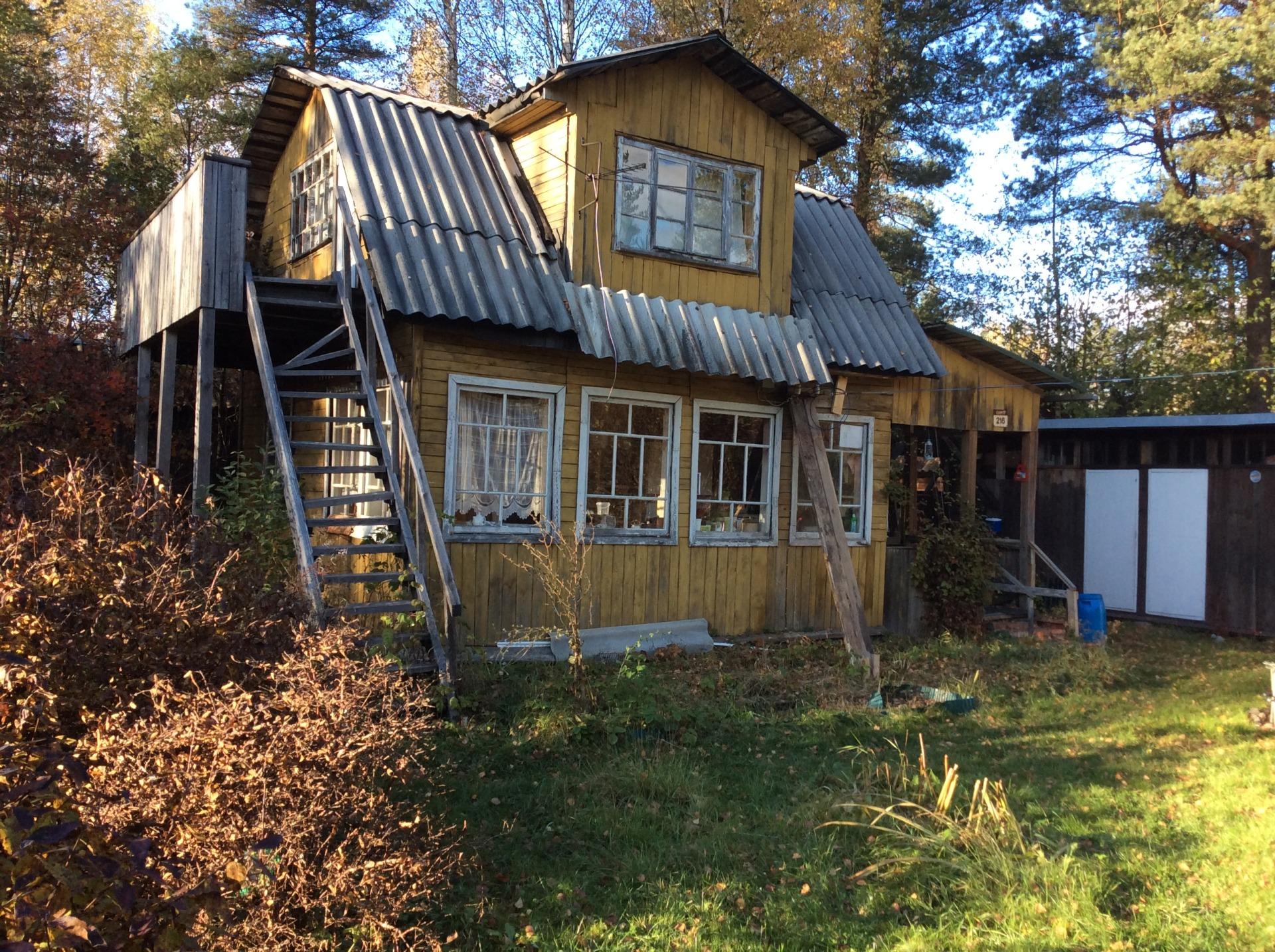 Загородный дом до реконструкции и ремонта